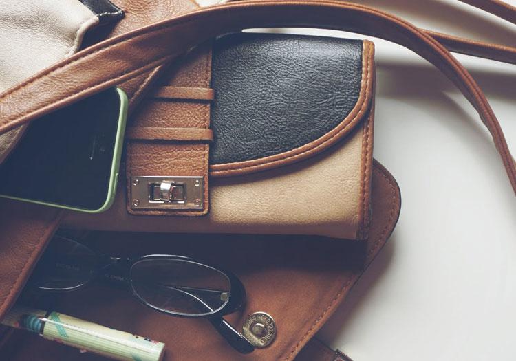 Ako sa postarať o koženú kabelku?