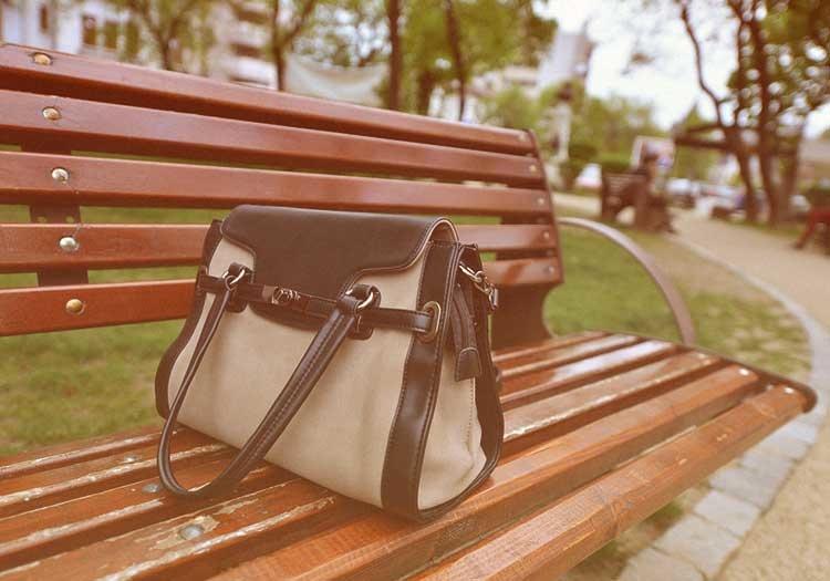 Čo sa nám najčastejšie vylieva v kabelkách?
