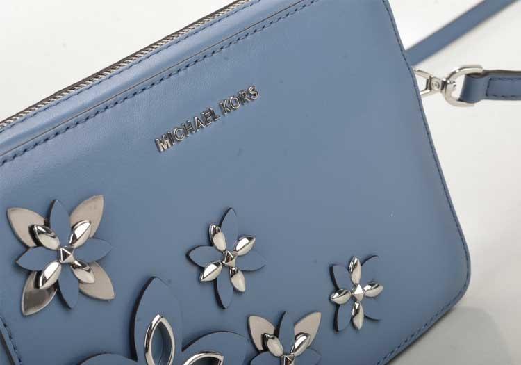 Značková peňaženka. Doplnok či sluha?
