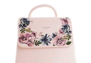 Kvetinové ruksaky - trend tejto jari