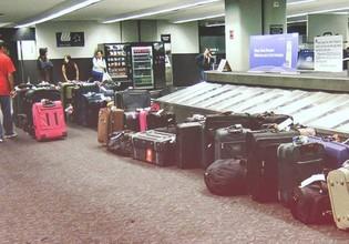 Chýbajúca batožina vás pripútala k letisku? Nejde o žiadnu tragédiu!