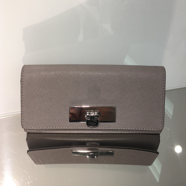astrid-saffiano-wallet-MK