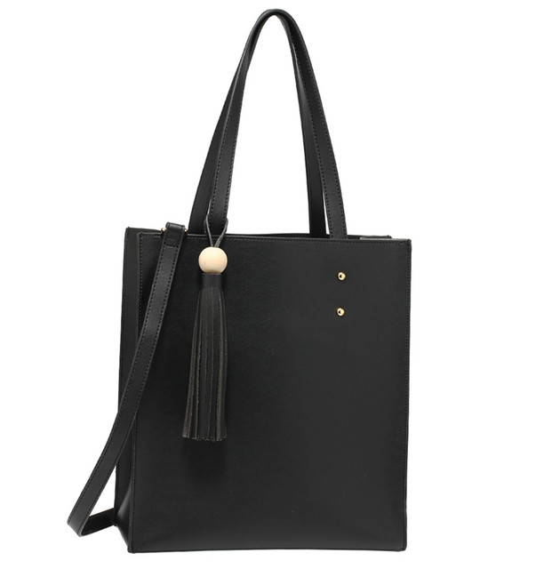Kabelka - Bettie, shopper cez rameno so strapcom, čierna