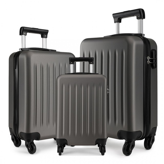 Set kufrov - rodinný, plastový, cestovný, šedý