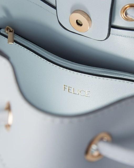 Kabelka - sťahovacia vybíjaná Felice, bledomodrá