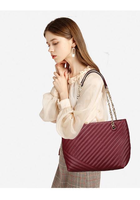 Kabelka - Ela prešívaná na rameno, burgundy