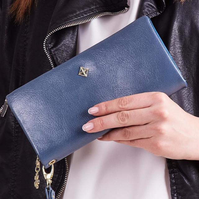 Peňaženka - s remienkom do ruky koženková, modrá