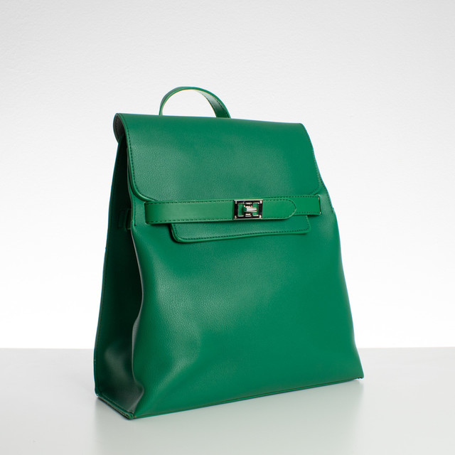 Ruksak - so zámkom Diana, koženkový, zelený