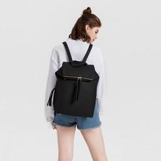 Batoh - štýlový fashion s doplnkami, čierna